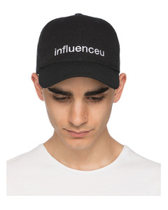 805331fc818 DSquared2 · Hats ·  139.00 · 约合人民币939.64 · 来自:意大利YOOX